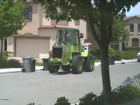 草、木の枝の回収車両