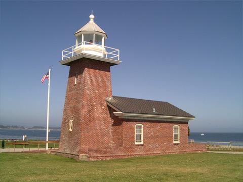 小さな灯台2